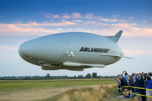 Airlander Landing with Crowd