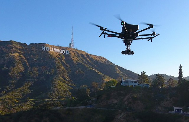 flying-eye-hollywood-sign-1
